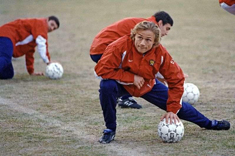 Валерий Карпин (1996, 2000 и 2001 годы). Три матча.