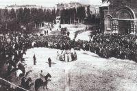 Духовенство приветствует барона Врангеля в Царицыне. Осень 1919 года.