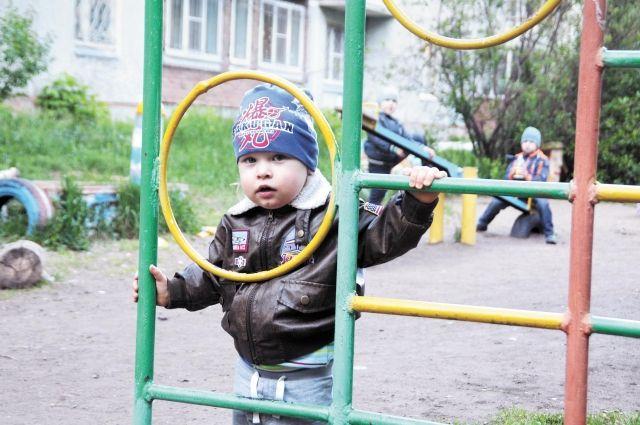 Дети в возрасте от 3 до 7 лет в целом обеспечены местами в дошкольных учреждениях. Труднее устроить в сад малышей от 1,5лет.