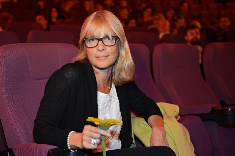 Режиссер Вера Глаголева перед показом своего фильма «Две женщины» в рамках Международного медиафорума в Санкт-Петербурге. 2014 год.