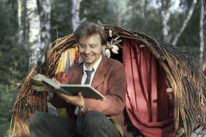 Олег Табаков в роли Владимира Искремаса в фильме «Гори, гори, моя звезда» режиссёра Александра Митты. 1969 год.