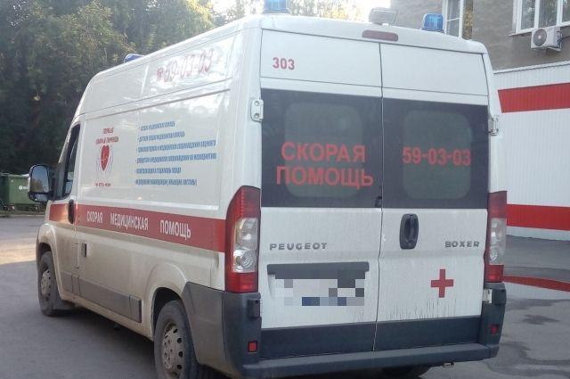 Автомобиль скорой помощи сбил мужчину вНовосибирске