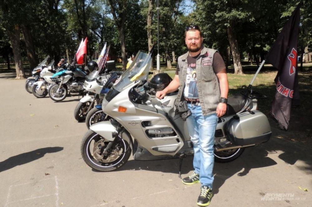 Вице-президент ставропольского отделения мотоклуба «Русские мотоциклисты» Илья Баскаков.