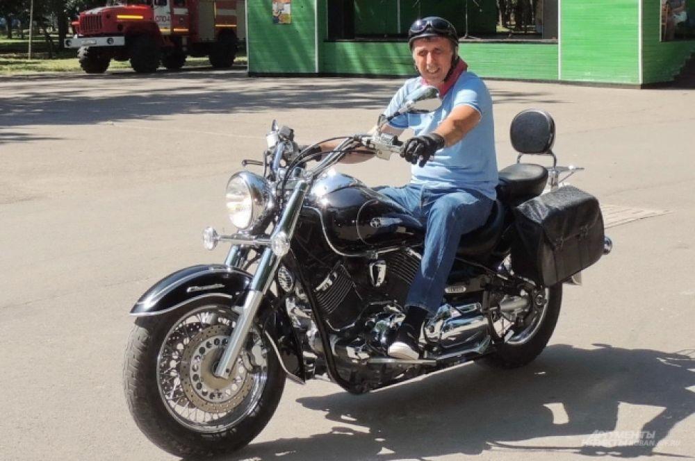 Краснодарец Александр Бакалов называет себя свободным райдером, потому что не состоит ни в каком мотоклубе.