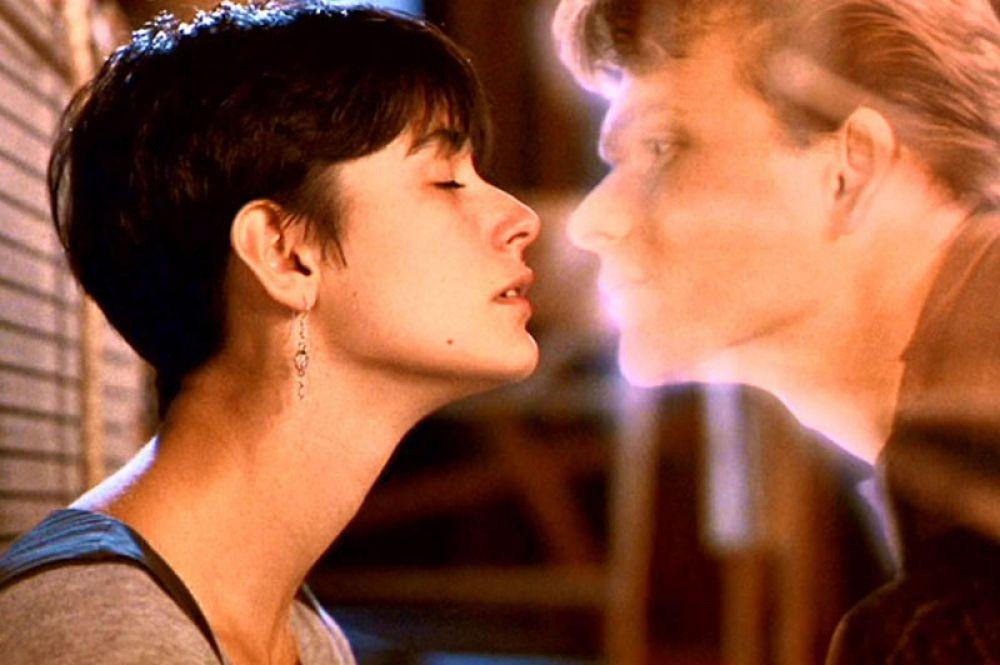 В фильме Джерри Цукера «Привидение», вышедшем на экраны в 1990 году, Суэйзи сыграл вместе с Деми Мур и Вупи Голдберг.