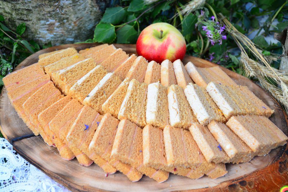 Известная даже за границей яблочная белёвская пастила.