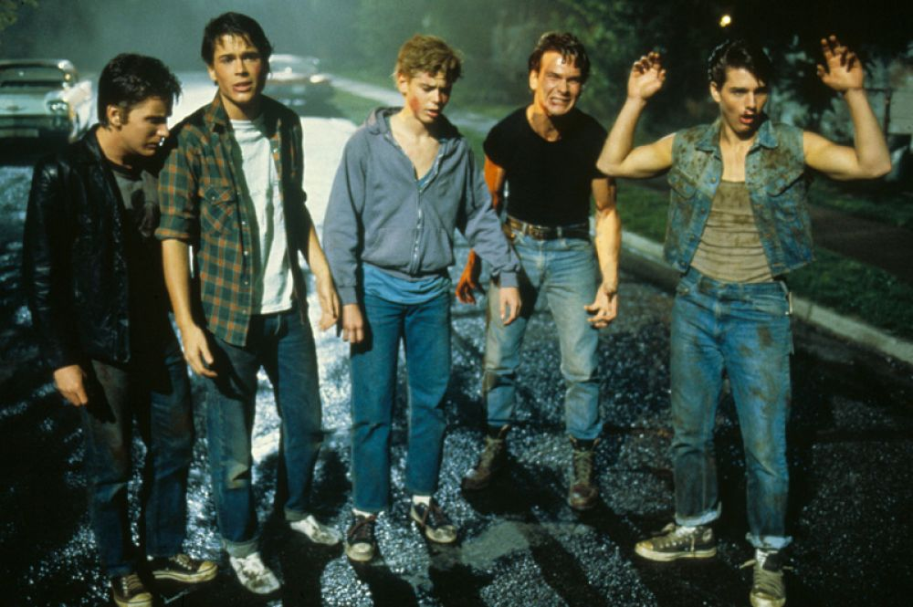 В 1983 году Суэйзи снялся в кинофильме режиссёра Фрэнсиса Форда Копполы «Изгои», показывающем маленький городок в штате Оклахома в 1960-е годы, где в извечном конфликте противостоят друг другу банды подростков.