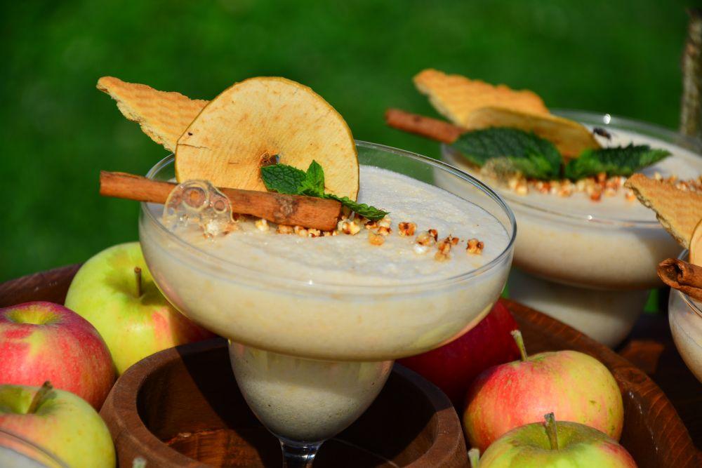 Яблочный самбук - находка местных поваров (без алкоголя).