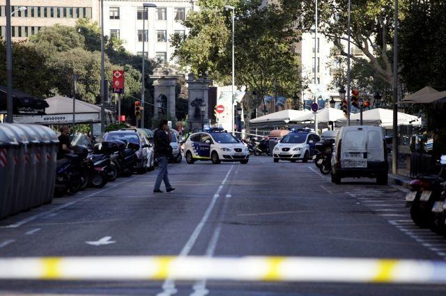 Полицейские застрелили одного из подозреваемых в теракте в Барселоне – СМИ