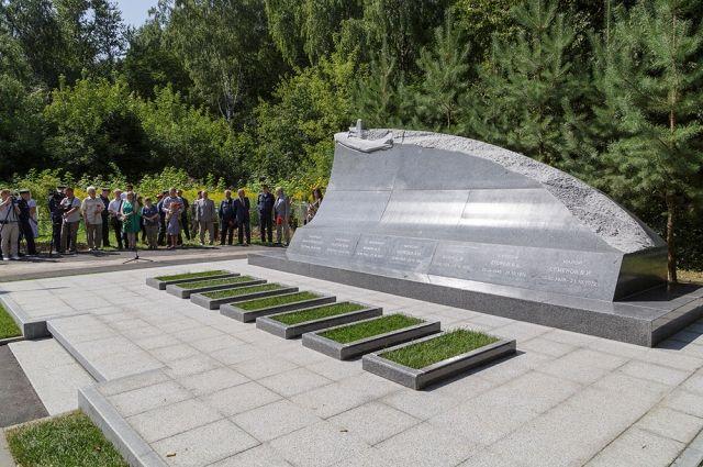 ВТуле наСпасском кладбище открыли мемориал военным летчикам