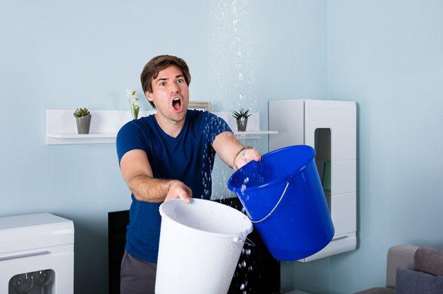Кто обязан оплачивать ремонт, если вашу квартиру залили?