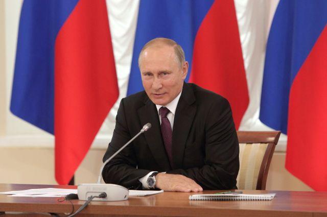 Путин и Медведев прибыли с визитом в Крым