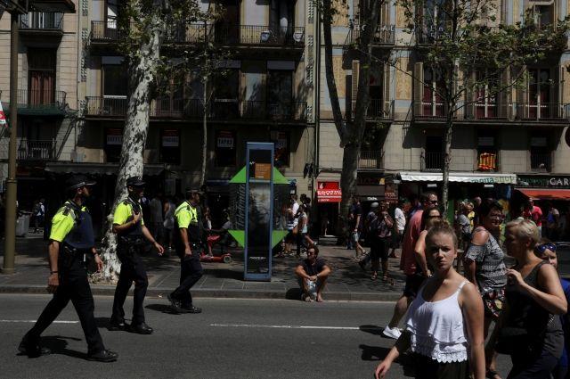 СМИ: ликвидирован водитель фургона, наехавшего на людей в Барселоне
