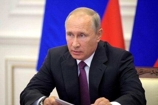 Путин поручил сократить количество проверок бизнесменов
