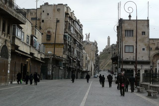Глава  ГенштабаРФ наградил сирийского генерала заосвобождение Эль-Кдера