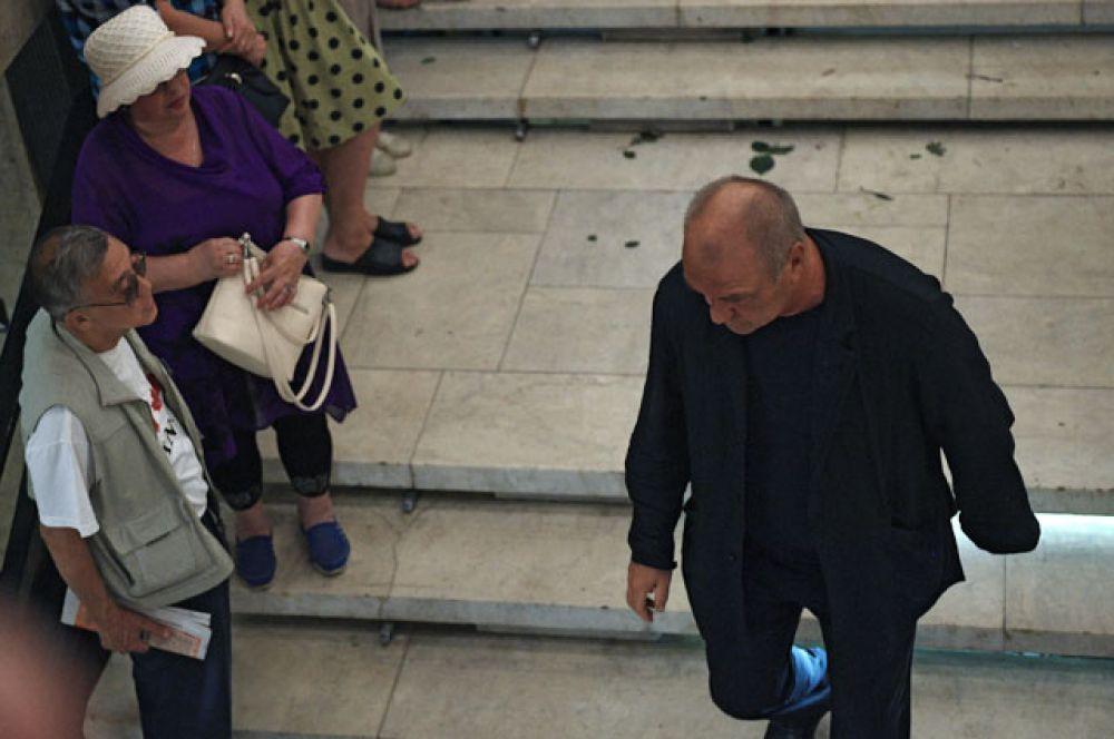 Актер Александр Балуев в Центральном доме кино в Москве, где прошло прощание с актрисой Верой Глаголевой.