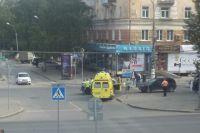 По предварительным данным, женщина переходила дорогу на зелёный сигнал светофора.