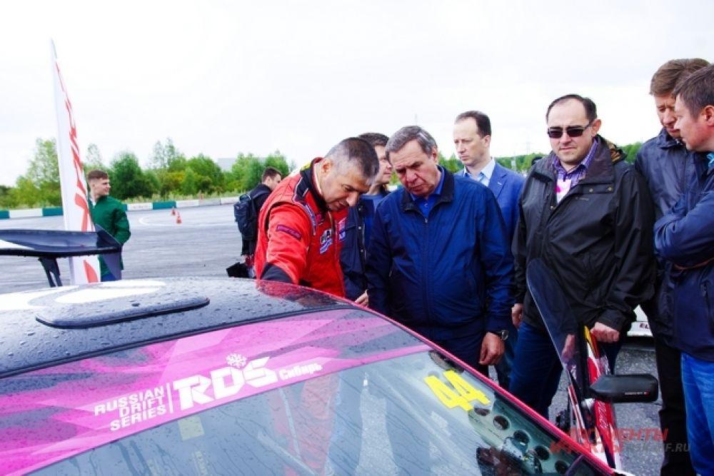 Губернатор НСО, Владимир Филиппович Городецкий тоже посетил это мероприятие.