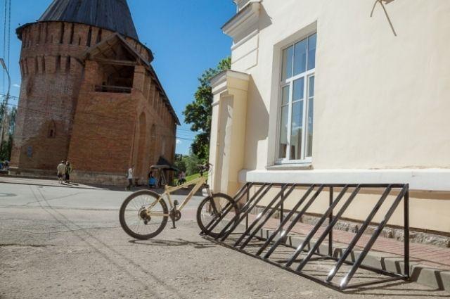 Ранее велопарковка появилась около здания администрации Смоленска.
