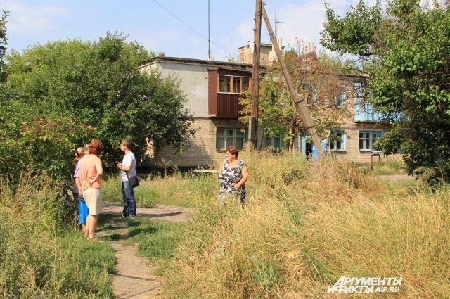 Россияне из домов МПС Чертково оказались практически изолированными от государства.