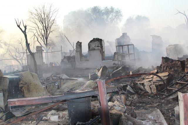 В Ростове-на-Дону локализовали крупный пожар в частном секторе