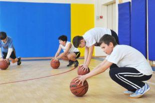 На уроках физкультуры дети должны эмоционально разрядиться.