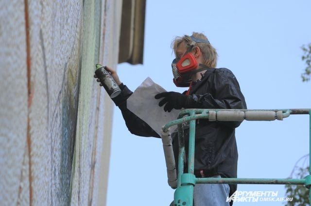 В Оренбурге стартовал фестиваль уличного искусства «Стенограффия».