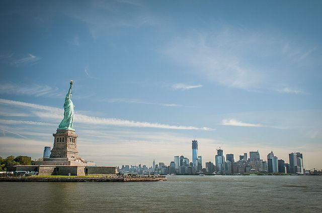 Получить визу в США туристы из Красноярска смогут теперь только в Москве.