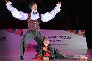 «Моцарт» - это композиция бронзовых призёров европейской программы Дмитрия Капусты и Ярославы Саталкиной.