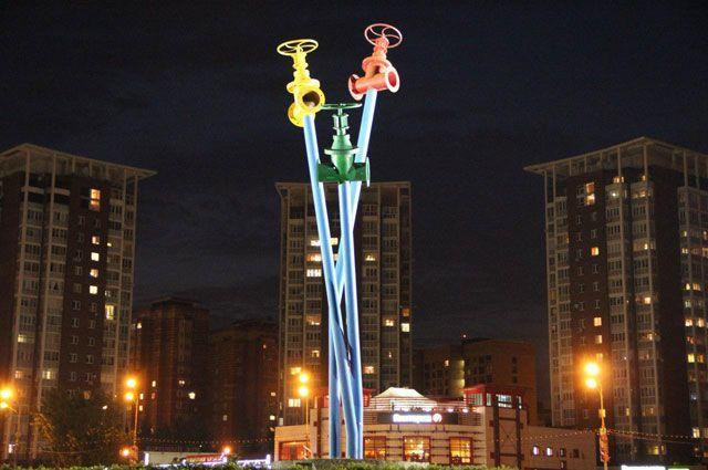 В Мытищах появилась вот такая архитектурно-художественная подсветка.