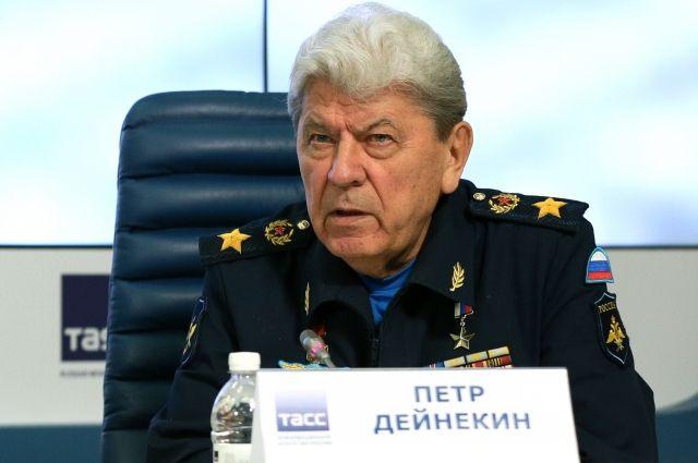 Экс-главком ВВС Петр Дейнекин похоронен на мемориальном кладбище в Мытищах