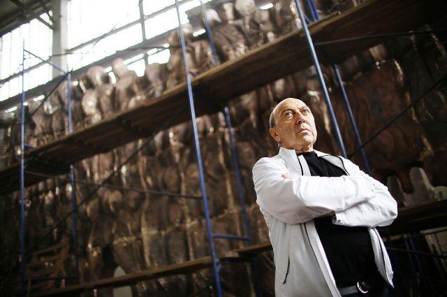 Стена скорби. Скульптор Георгий Франгулян