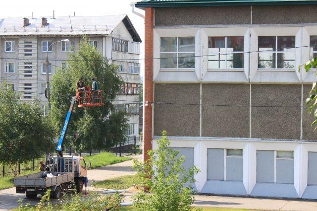 Оконные блоки и кровлю заменили во многих школах Иркутска.