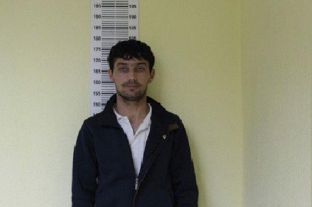 В Тюмени ищут 27-летнего мужчину, который насмерть сбил двоих пешеходов