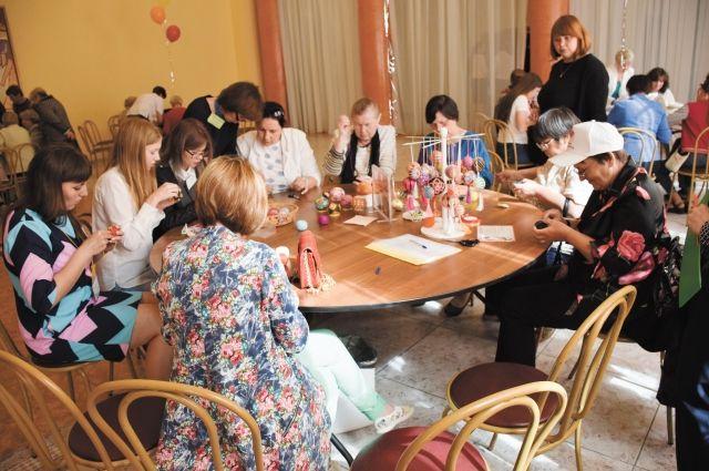Для пенсионеров на форуме организовали мастер-классы.