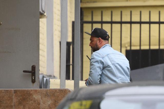 СМИ: Серебренников пребывает в шоковом состоянии из-за своего задержания