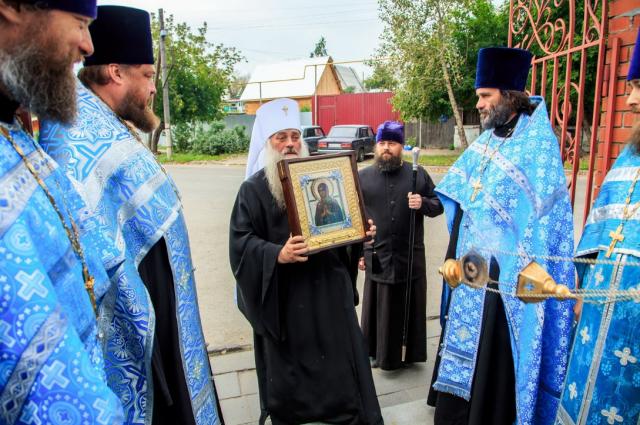 В Барнаул привезли чудотворную икону Божией Матери «Умягчение злых сердец»