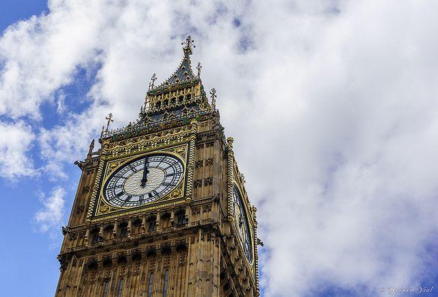 Житель Лондона получал штрафы за нарушение ПДД в Кемерове.
