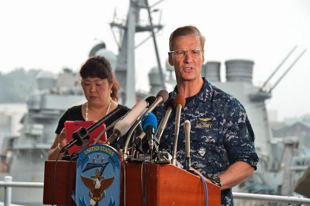 В США отстранили от должности командующий 7-го флота из-за утраты доверия