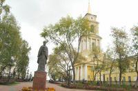 Пока галерея продолжает занимать здание собора на основе договора с епархией.