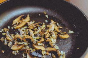 Из лесных грибов можно приготовить множество вкусных блюд.
