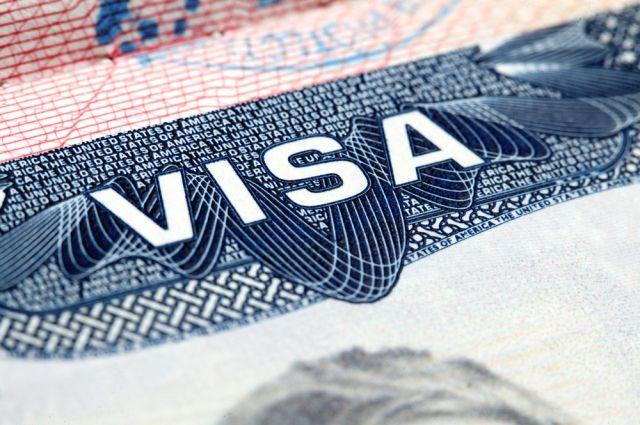 Fox: Трамп желает ограничить выдачу виз гражданам четырех стран