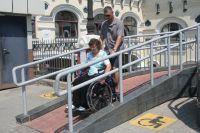 Помощь людям с ограниченными возможностями - трудная, но очень важная работа