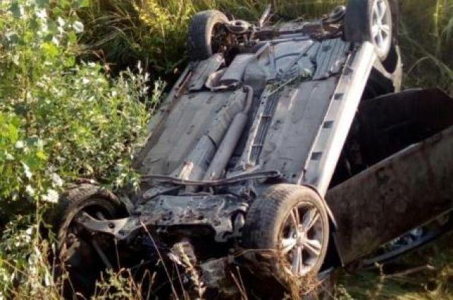Шофёр «Жигулей» умер, въехав под КАМАЗ наСтаврополье