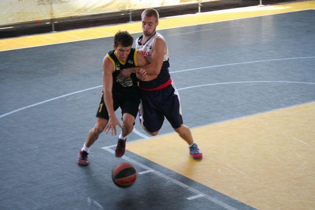 Уличный баскетбол - настоящая схватка за победу