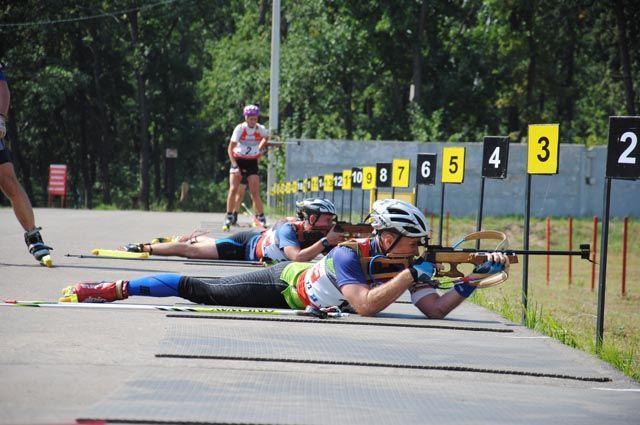 В Чемпионате мира по летнему биатлону примут участие около 150 спортсменов из 25 стран мира.