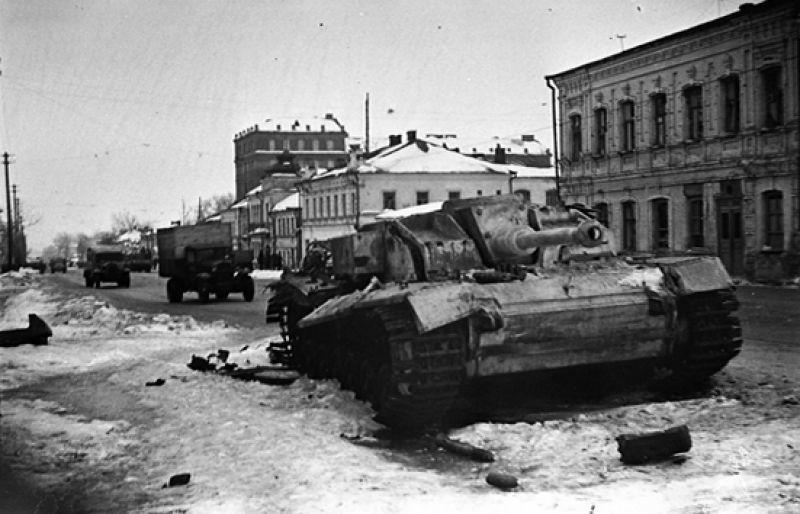 6 февраля 60-я армия под командованием генерал-майора И.Д. Черняховского вышла на подступы к Курску.