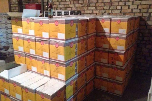 «Алкогольный магнат» организовал вЧелябинске контрафактную реализацию французского коньяка