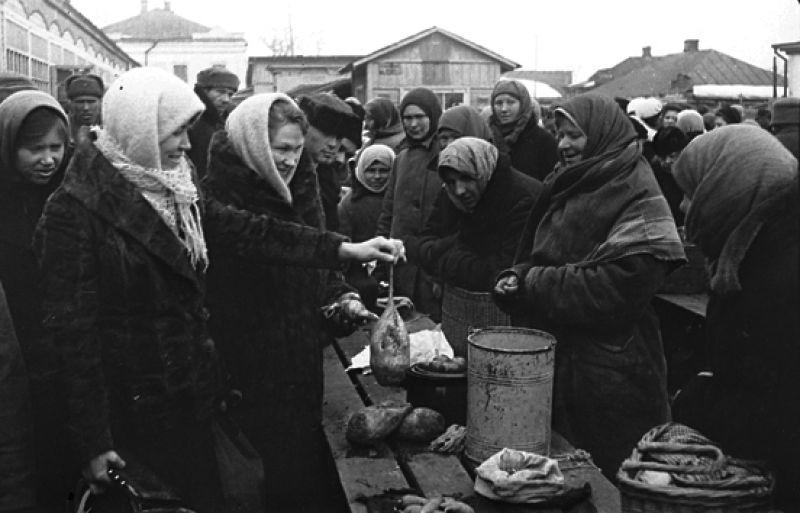 Жизнь в городе начала восстанавливаться после 9 февраля 1943 года