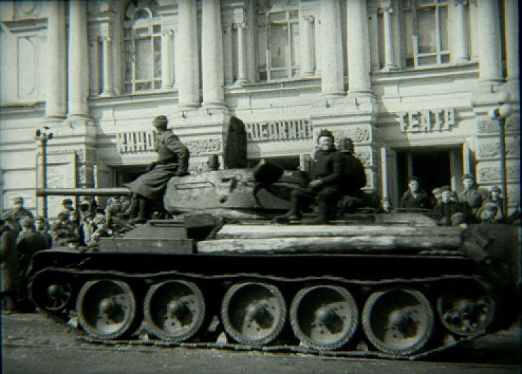 Было убито 1040 вражеских солдат и офицеров, уничтожены 4 танка, 44 автомашины, 5 миномётных батарей